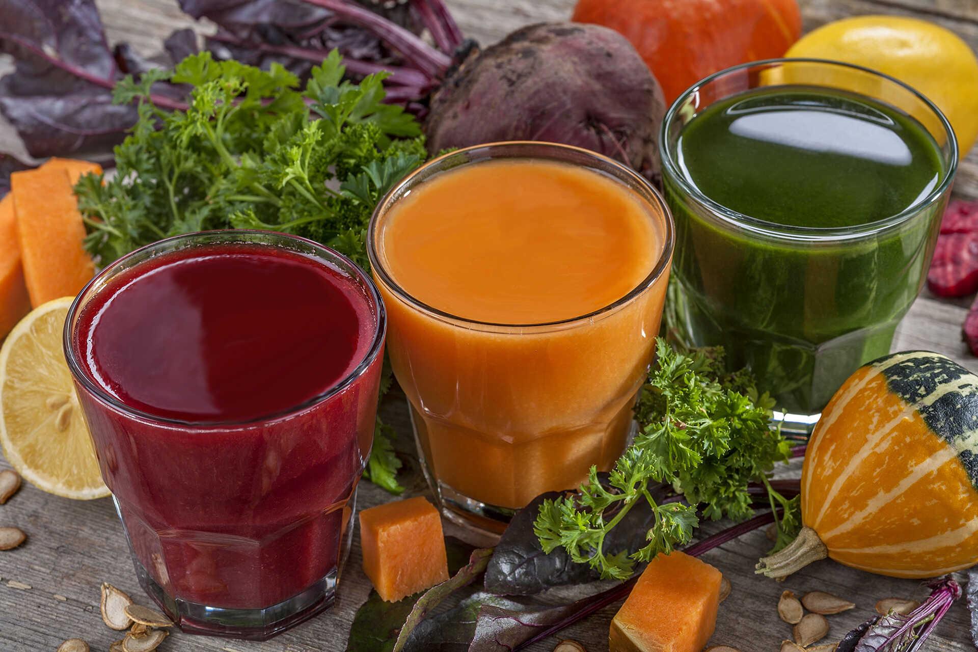 Jus cru de légumes et fruits bio